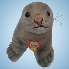 Steiff Robby Seal, Button and Chest Tag, 1965 to 1967