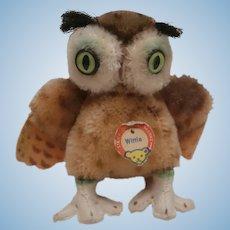 Steiff Wittie Owl, 1965 to 1967 . Steiff Button and Chest