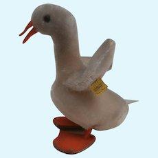 Steiff Tulla Goose, 1959 to 1967 Steiff Button