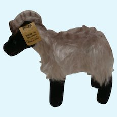 Steiff Snucki Mountain Sheep , Steiff Button, 1965 to 1967