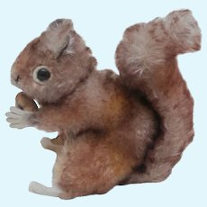 Steiff Perri Squirrel , From The Walt Disney Movie , Chest Tag, 1965 to 1967