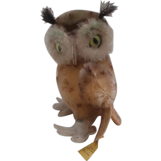 Steiff Wittie Owl 1959 to 1967, Steiff Button and Chest Tag