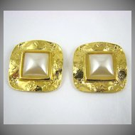 Vintage D'Or Simulated Pearl and Gold Told Shoe Clips