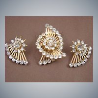 Stunning Late 40s Spiral Staircase Design Clear Chaton Demi Parure