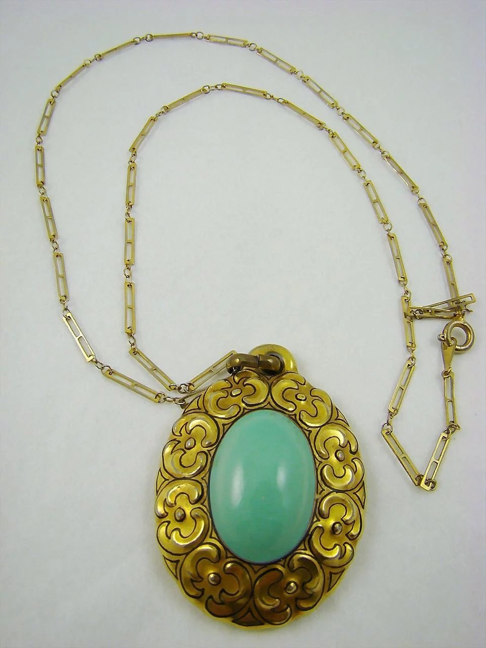 Art deco bavarian porcelain medallion pendant and necklace for Deco veranda