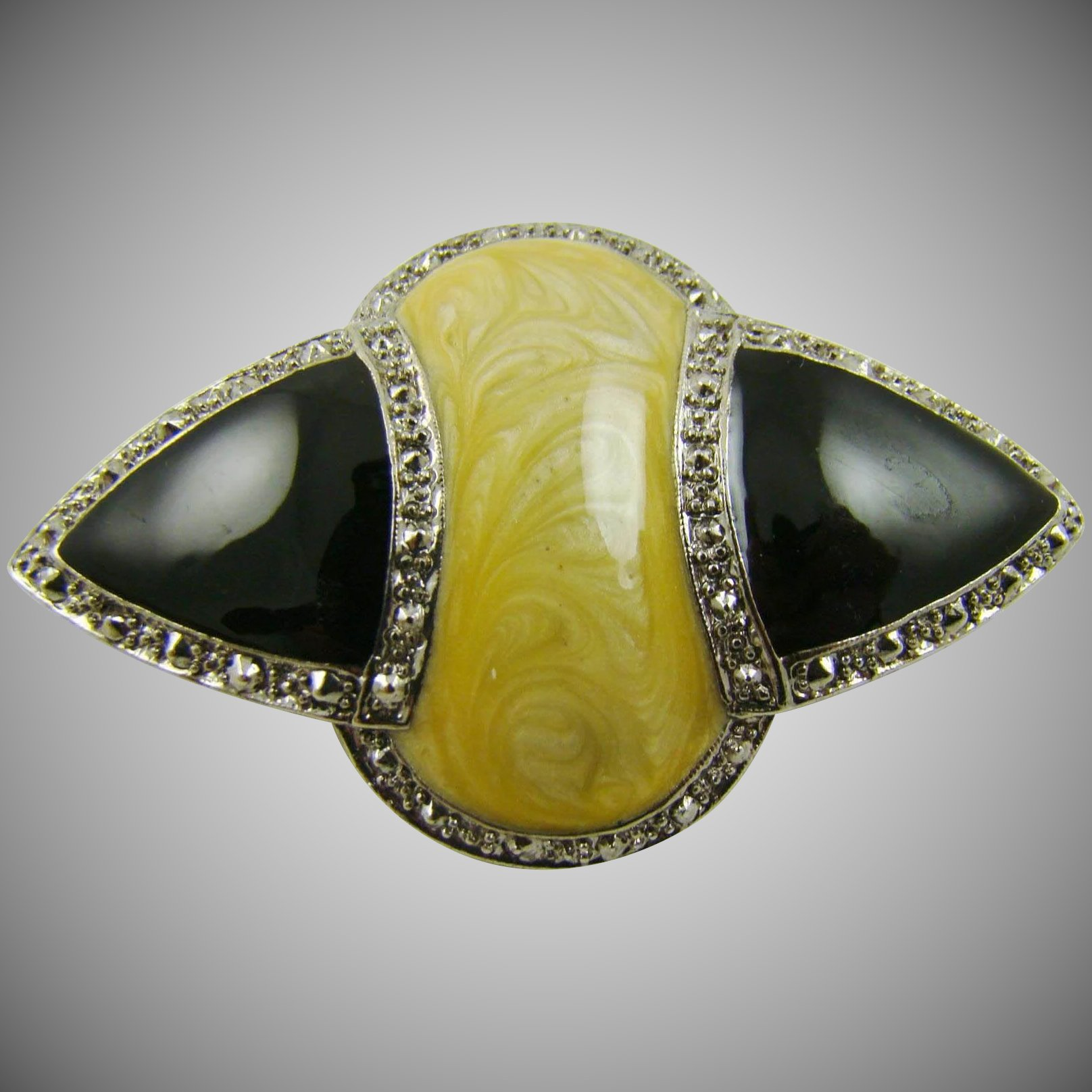 Art deco style brooch with cream and black enamel for Deco veranda