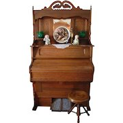 1906 Ferrand Parlor Pump Organ and Stool