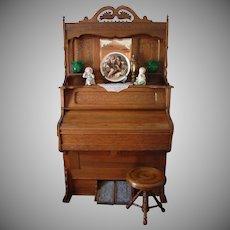 1906 Ferrand Parlor Pump Organ and Stool