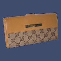 Vintage Gucci Clutch Wallet