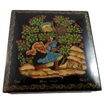 Hand painted Russian lacquer box featuring the Firebird fairy tale Palekh