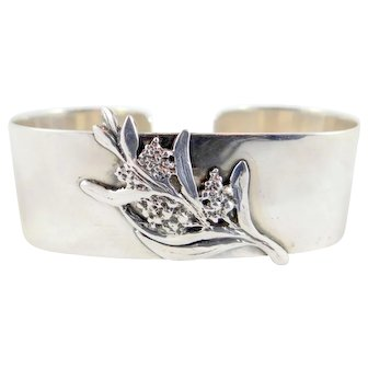 Australian Sterling Silver Napkin Ring with Applied floral decoration