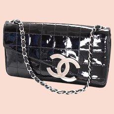 Dramatic vintage black patent Chanel clutch handbag, purse, bag