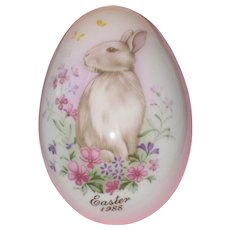 Noritake 1988 Hand Painted Bone China Porcelain Easter Egg - Bunny Among Flowers