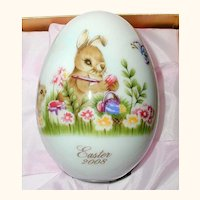 Noritake 2008 Hand Painted Bone China Porcelain Easter Egg -Easter Bunny Painting Eggs