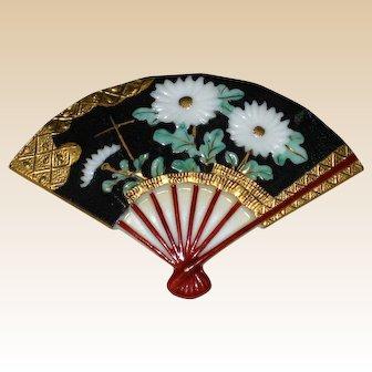 Japanese Toshikane Porcelain Fan Pin with Chrysanthemums