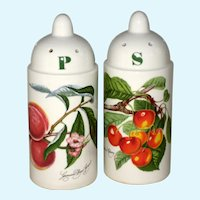Portmeirion Pomona Salt and Pepper Set - Grimwoods Royal George Peach and Biggerreaux Cherry