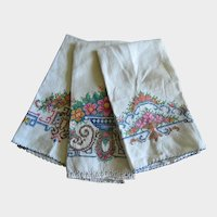 Set of Three Hand Embroidered Linen Cotton Guest Towels