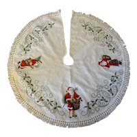 Hand Embroidered Christmas Tree Skirt with Old Fashioned Santas