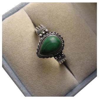 Native American Sterling Silver Malachite Ring Size 8 1/2