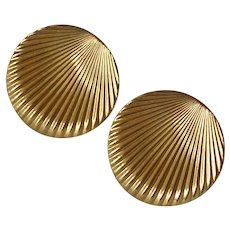 Vintage 1950's Shell Shape Clip Earrings