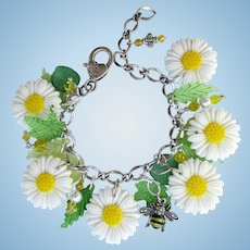 Daisy Charm Bracelet of White Daisies with Bumble Bee and Swarovski Crystals