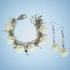 White Daisy Charm Bracelet with Crystals and Shimmering Leaves – Matching Earrings