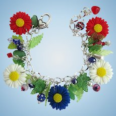 Charm Bracelet with Red, White, and Blue Daisies – Flag Beads – Crystals