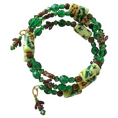 Bees and Beads Wrap Bracelet with Copper Bees – Green Beads – Porcelain