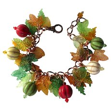 Bracelet in Fall Colors with Magnesite Beads and Acrylic Leaves
