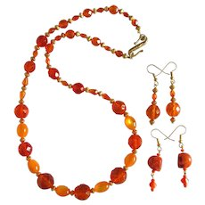 Necklace in Shades of Orange with Two Pairs of Matching Earrings