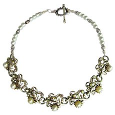 Upcycled Vintage Choker with Floral Design – Rhinestones – Faux Pearls