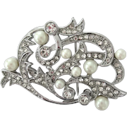 Vintage Brooch with Sparkling Rhinestones and Faux Pearls