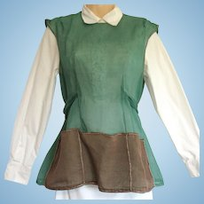 Vintage Apron of Sheer Taffeta in Green and Chocolate – Cobbler Style with Ties