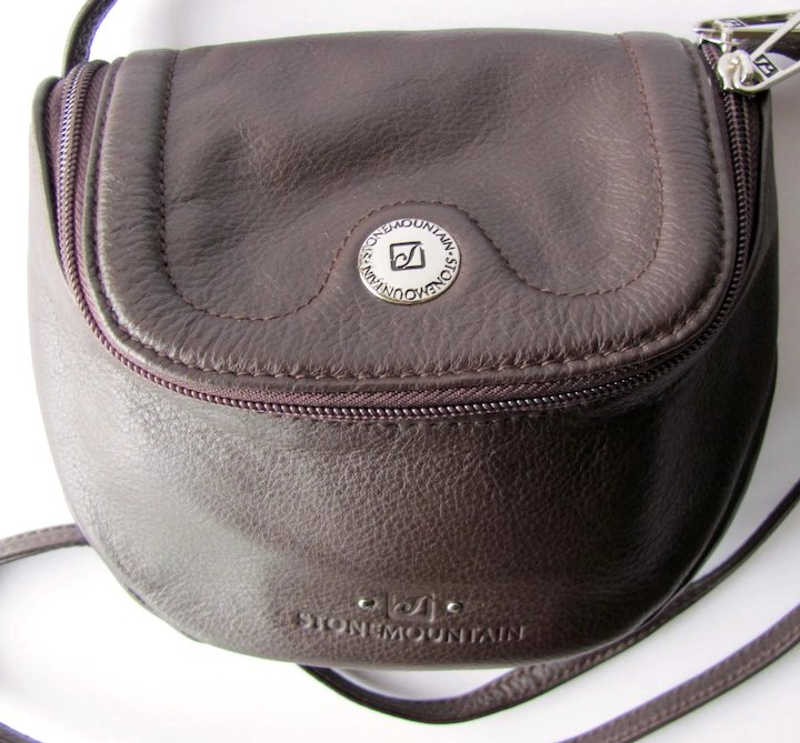 bf504ed494 Vintage Stone Mountain Leather Cross-Body Handbag in Chocolate Brown – Size  Small