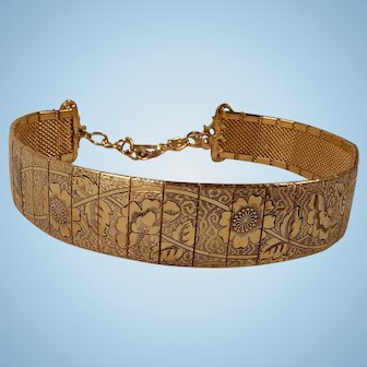 Goldtone Floral Pattern and Mesh Choker Collar Necklace