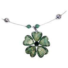 Green Glass Stone Flower Pendant