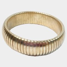 Gold Tone Stretch or Expansion Bracelet