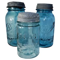 Pair of Ball Perfect Mason Jars and Atlas Strong Shoulder with Lids