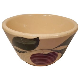 Watt Pottery Apple Pattern Ribbed Mixing Bowl #5 Three Leaves