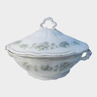 Z.& S. Co. Bavaria Covered Casserole Blue and White Flowers