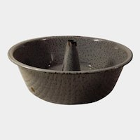 Old Gray Speckled Graniteware or Enamelware Bundt Cake Pan