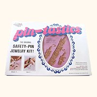 70's Pin-Tastics Bracelet and Earrings Jewelry Craft Kit #2008