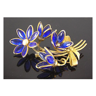 Poured Glass Blue Flower & Buds in Bow Bouquet Circa 1940's Fur Clip