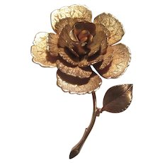 Giovanni Signed Gold Tone Metal Flower Pin