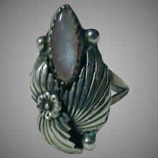 Native American Ring Fine MOP Mother Of Pearl Sterling Silver Sz 8.25