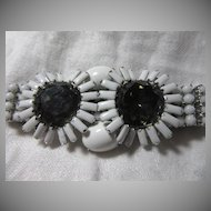 White Set Stones Bracelet With Smoky Flowers