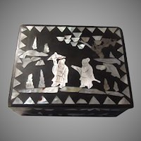 Old Box Asian Lacquer Ware Inlay Mother of Pearl Designs