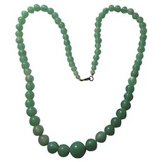 Green Glass Graduated Beads Necklace
