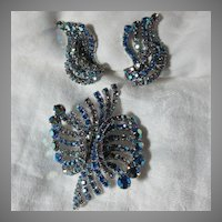 Hobe Blue Rhinestone Brooch Earring Set