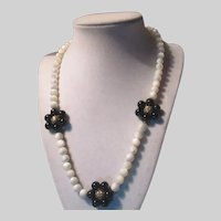 Mother of Pearl Beads Necklace Black Accents